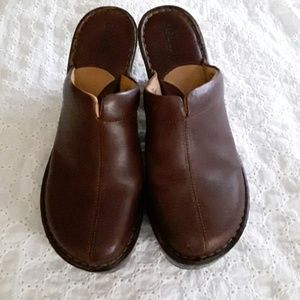 Born Leather Clogs Shoes Mules 9